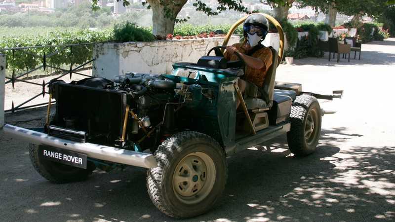 För att utveckla chassikomponenterna testades Range Rover naken. Foto: Johannes Collin