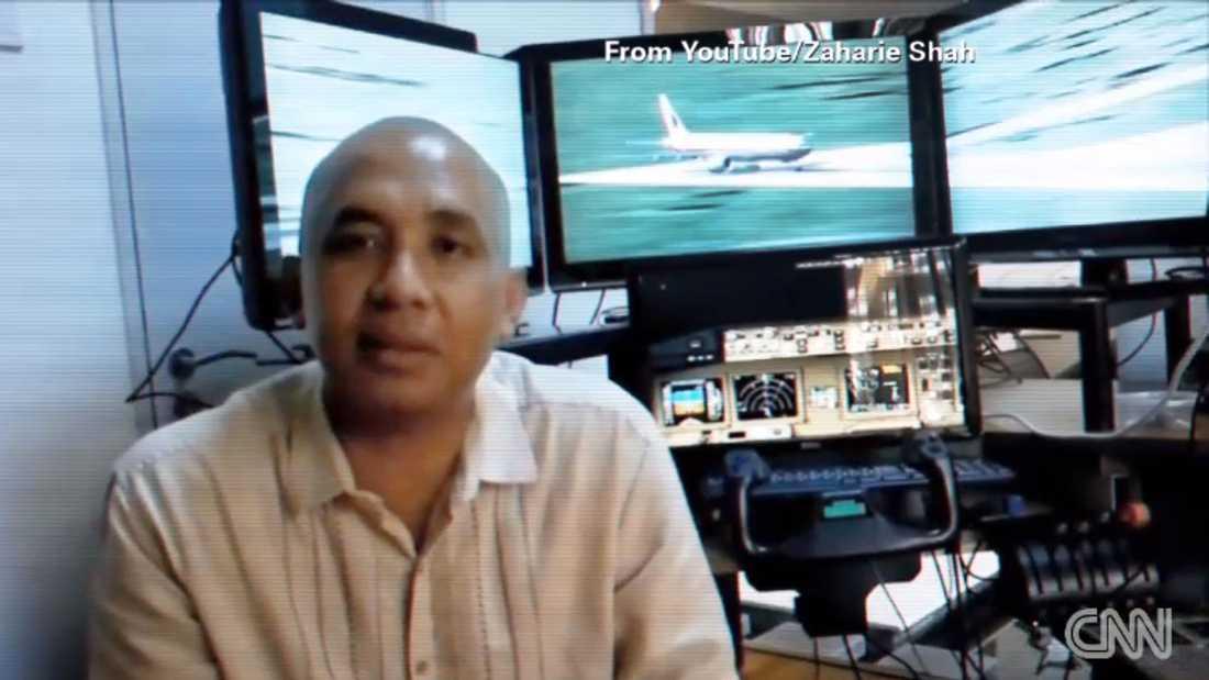 Piloten Zaharie Ahmad Shah vid sin flygsimulator.