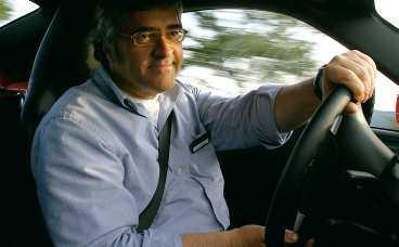 Imponerad reporter med de där Porsche- typiska smilgroparna…