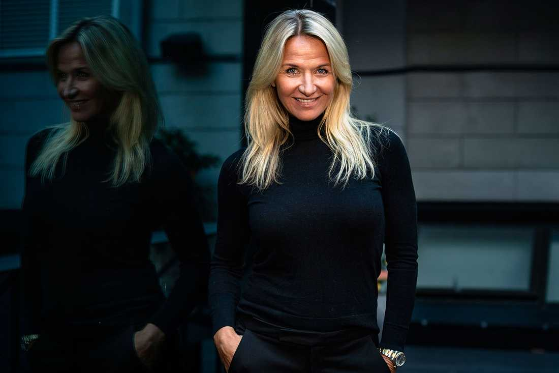 """""""Det finns en sådan kreativitet och vilja och så många små hjältar runt om i landet. Pandemin har visat att vi hjälper varandra och vad det betyder"""", säger Kristin Kaspersen som är ny programledare och ordförande i juryn för Svenska hjältar."""