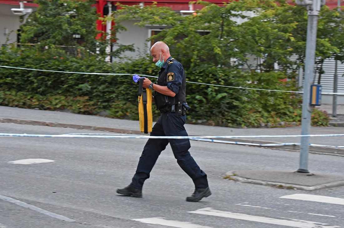 Skottlossning utanför krog i Märsta.