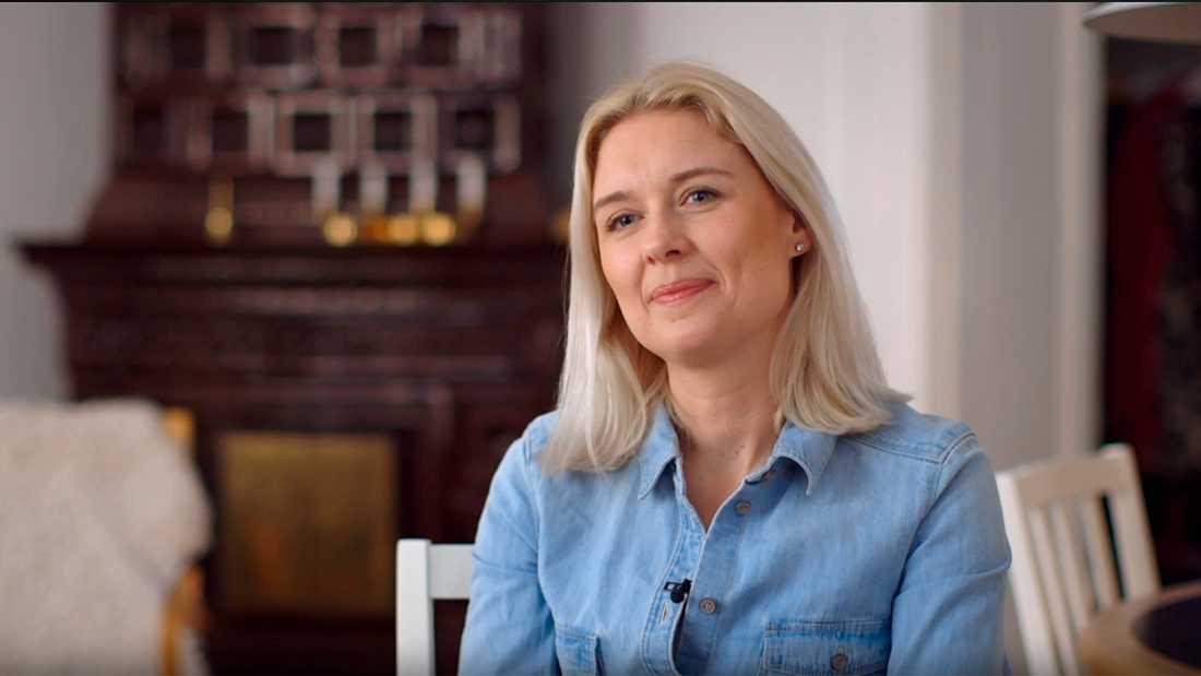Lisen Arnell (Ebba).