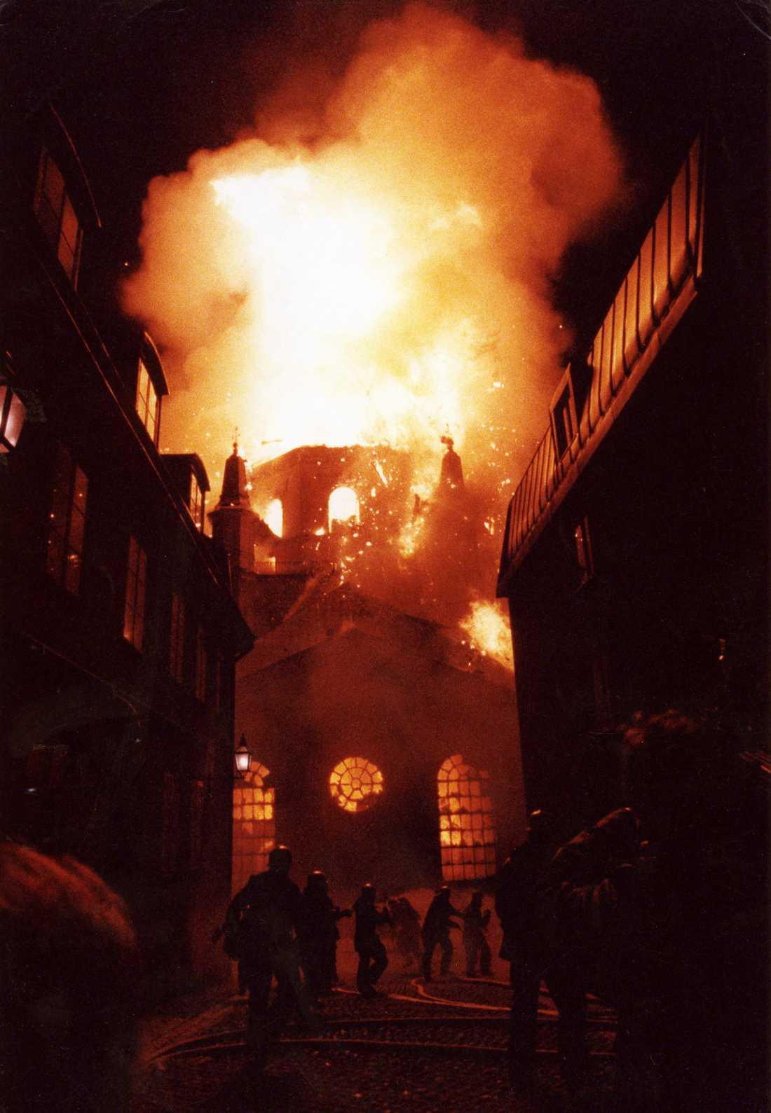 Katarina kyrka i Stockholm brann den 17 maj 1990. Arkivbild.