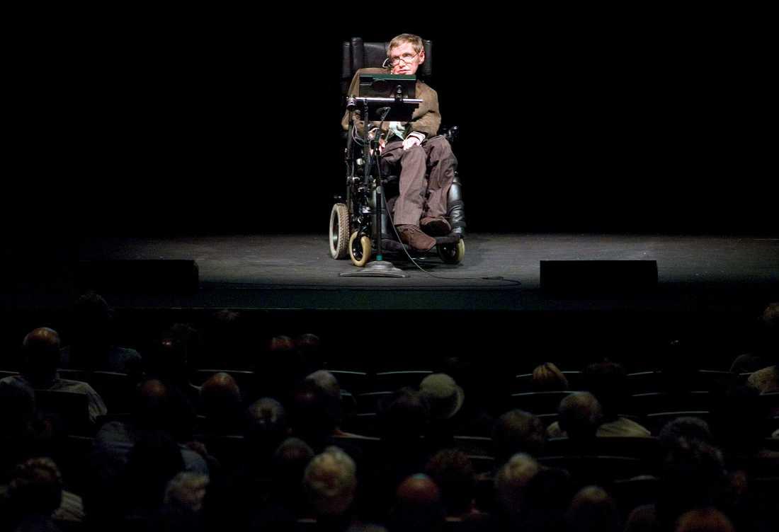 Stephen Hawking på en föreläsning 2007.