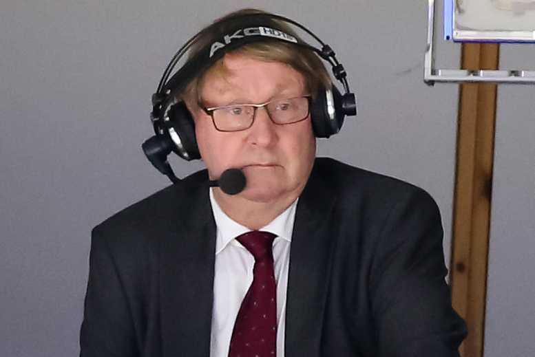 """Anders """"Ankan"""" Parmström som hockeykommentator"""