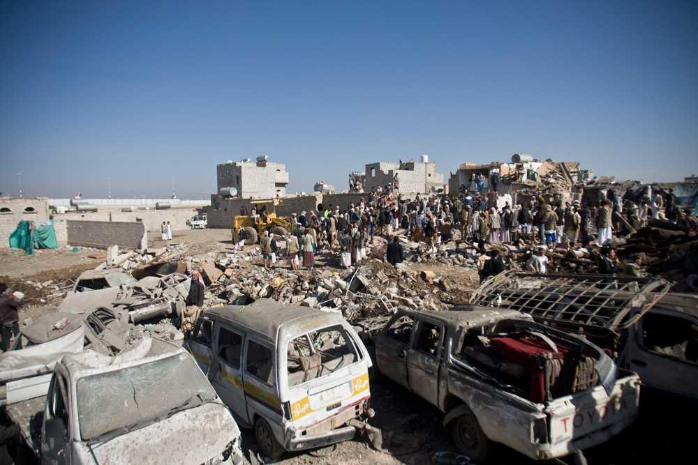 Överlevare efter en saudisk flygräd nära Sanaa Airport i Jemen