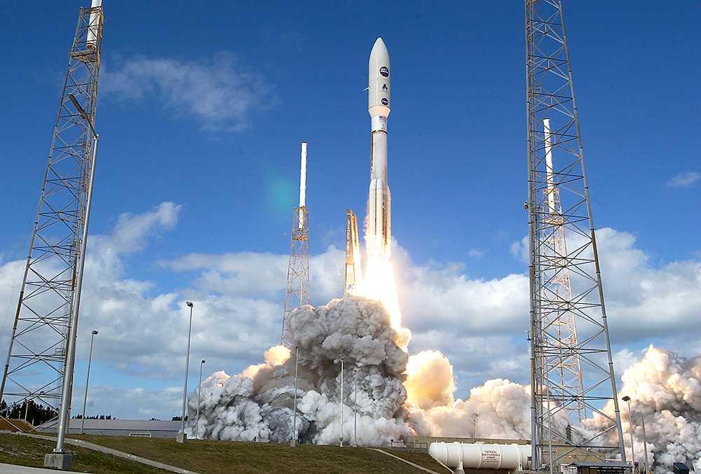 19 januari 2006 lyfte Atlasraketen bärandes New Horizons-farkosten från Cape Canaveral, Florida.