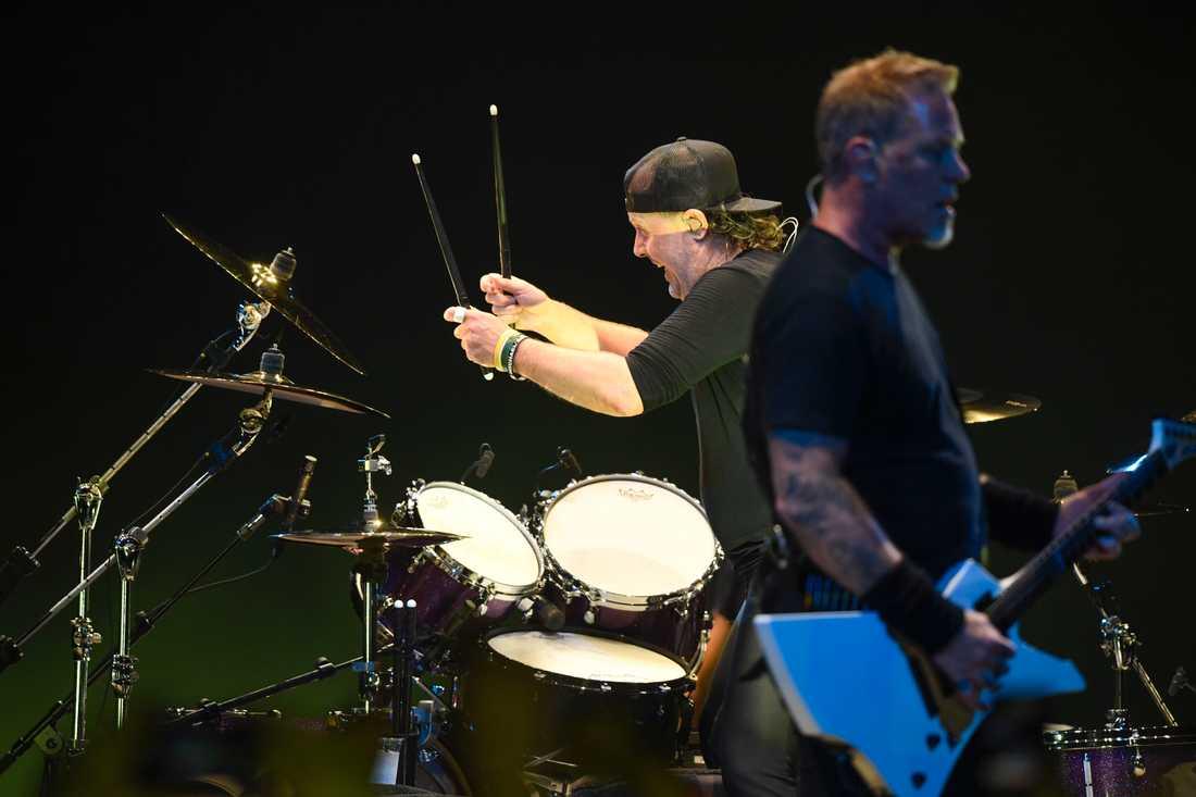 Danske trummisen Lars Ulrich och James Hetfield grundade Metallica i Los Angeles, 1981. Arkivbild.