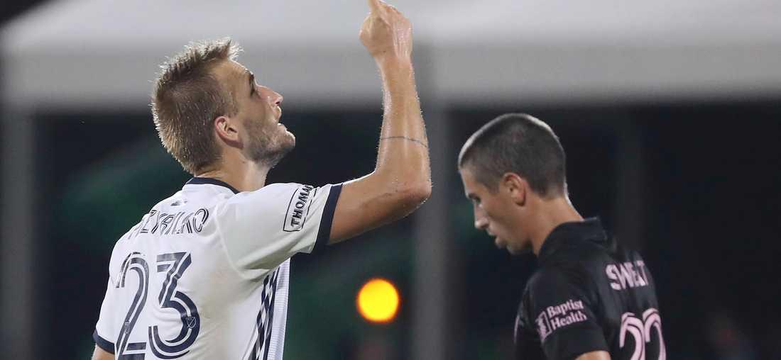 Philadelphias Kapcer Przybylko (v) firar medan Inter Miamis Ben Sweatt (h) deppar.