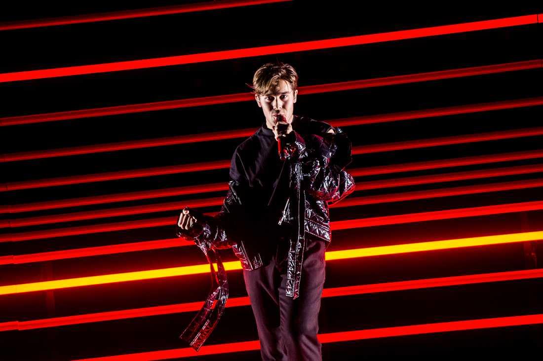"""Benjamin gick direkt till finalen av Melodifestivalen med låten """"Dance you off""""."""