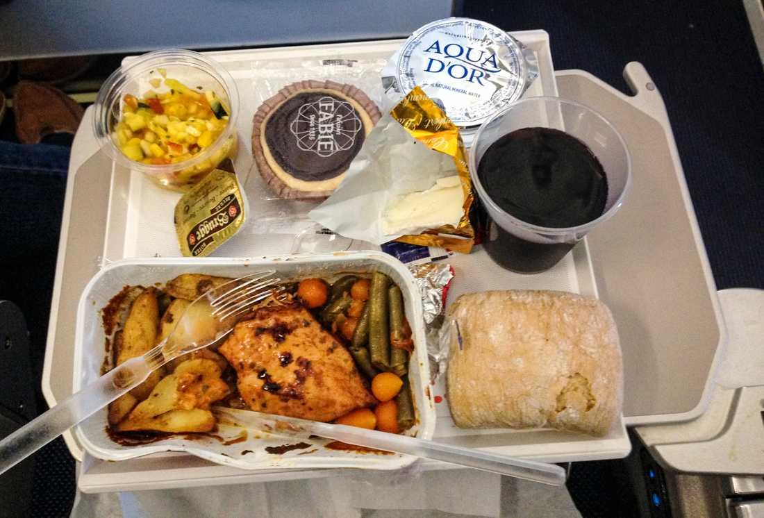 Saknar du maten på flygplanet? Nu kan du köpa den i vanliga butiker. I alla fall om du bor i Finland.