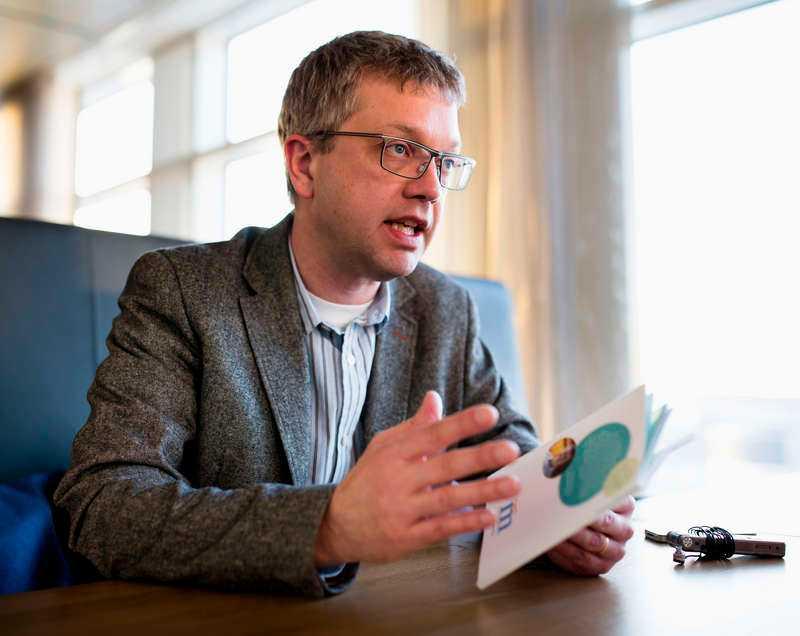"""""""Hamnar vi i ett läge där vi är en mindre minoritet, ja då avgår vi"""", säger M:s partisekreterare Kent Persson."""