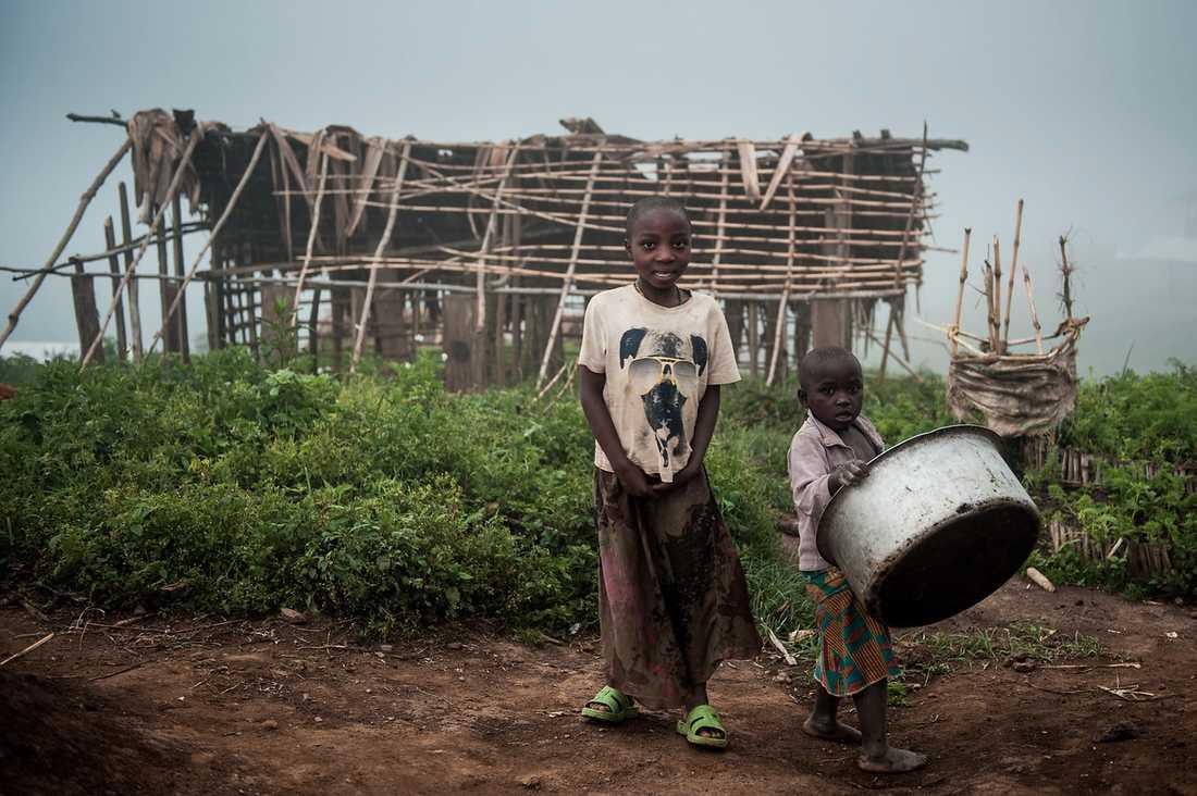 Barn i ett flyktingläger i Kivu, Kongo.