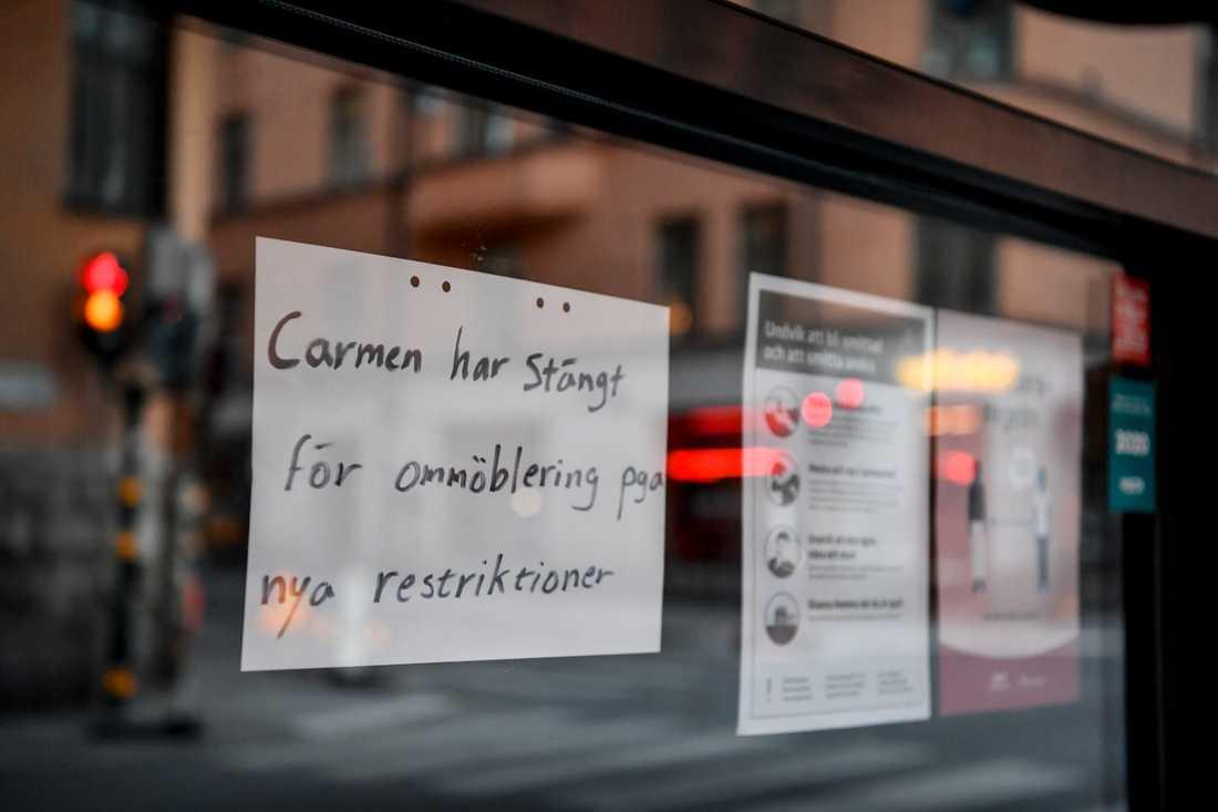 """""""Jag förstår inte vad vi har gjort för fel. De berättade aldrig att jag fick en anmärkning"""", säger krögaren som driver stängda Stockholmskrogen Carmen."""