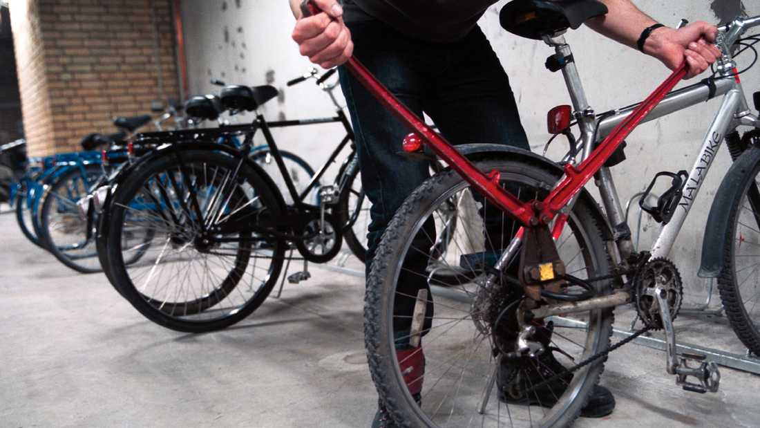 En 50-årig man i Uppsala misstänks för över 30 cykelstölder.