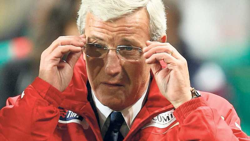 Italiens förbundskapten Marcello Lippi planerar att skicka en rutinerad trupp till Sydafrika.