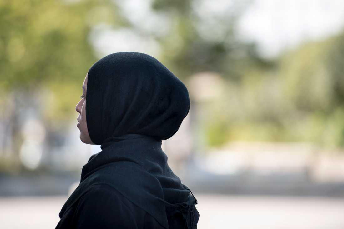 En kvinna i 50-årsåldern i Jönköping åtalas vid Jönköpings tingsrätt för att ha förolämpat en kvinna som jobbar på apotek för att hon bar slöja. Arkivbild.