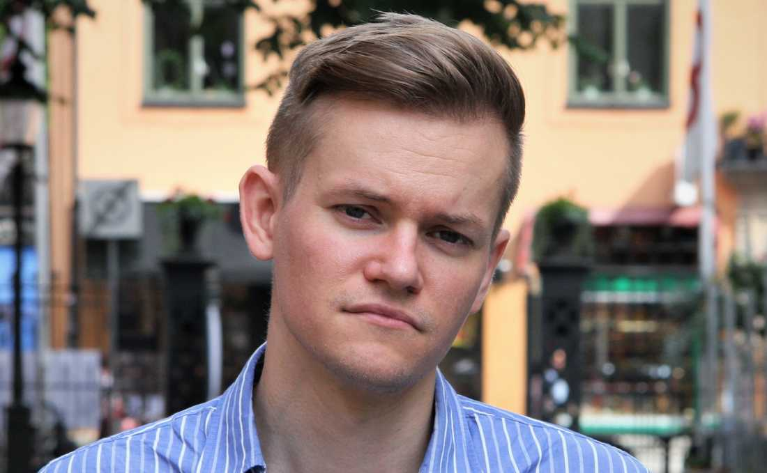 Journalisten Joakim Medin ger ut boken Thailandssvenskarna,  om svenska sexköpare i Thailand.