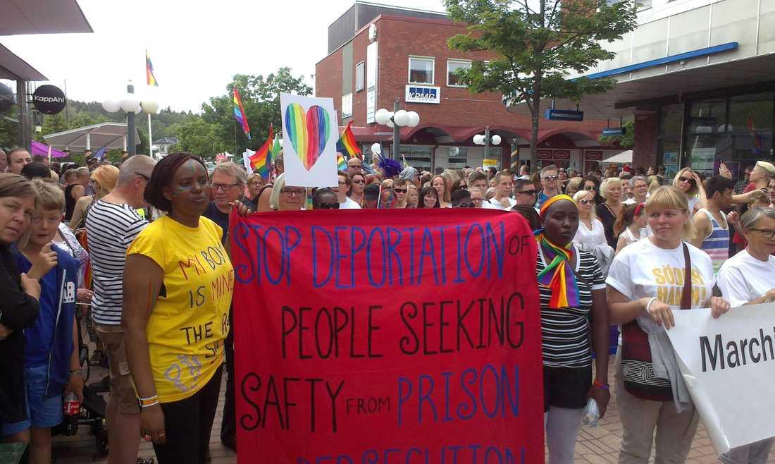 I Sverige fortsätter Naome kämpa för HBTQ-personer.
