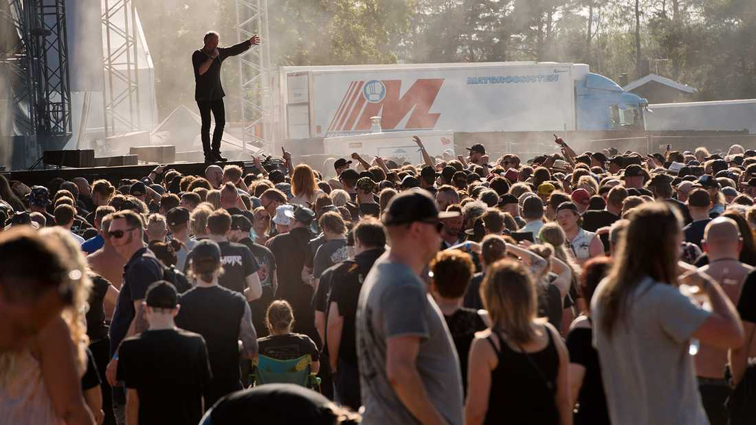 Arrangörerna för Sweden Rock försöker rädda årets festival genom att senarelägga den. Bilden är från fjolårets.