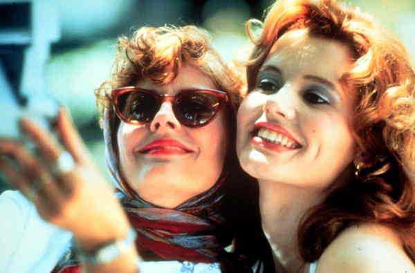 Susan Sarandon (Louise) och Geena Davis (Thelma) i den feministiska klassikern. Det är den varma skildringen av en stark och självklar vänskap mellan två kvinnor som gör filmen så unik. Tyvärr har det inte spridits vidare till särskilt många andra filmer.