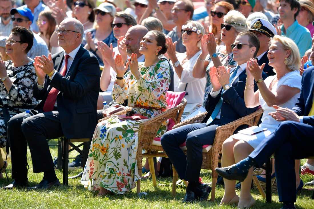 Kronprinsessan Victoria och prins Daniel vid nationaldagsfirandet i Hagaparken.