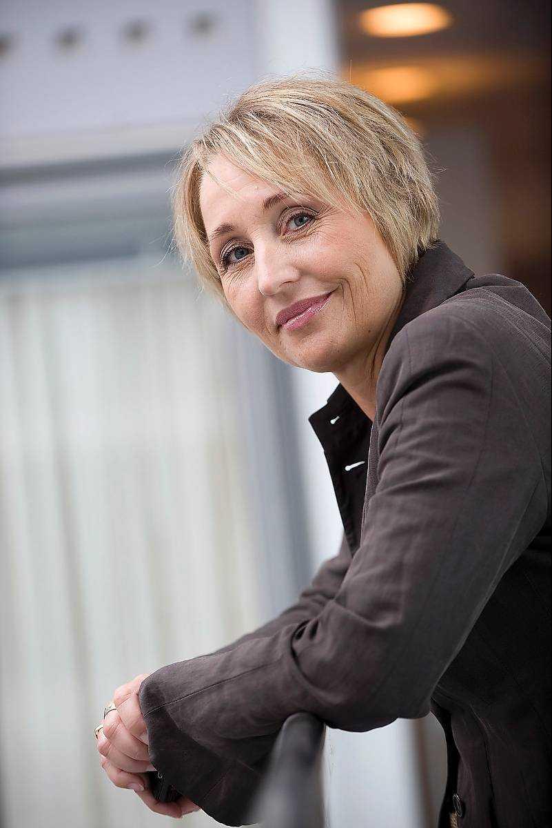 SAS HR.chef Henriette Fenger Ellekrog godkände utbetalningarna på 14 miljoner som gick till 18 höga chefer på företaget, varav sju svenskar, enligt norska tidningen Verdens Gang.