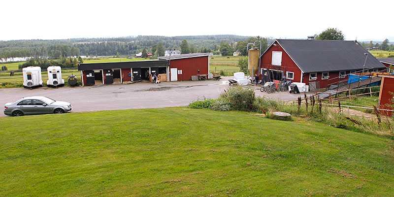 Robert Dunder flyttar in- och köper klassiska travgården Mellangård utanför Sundsvall.