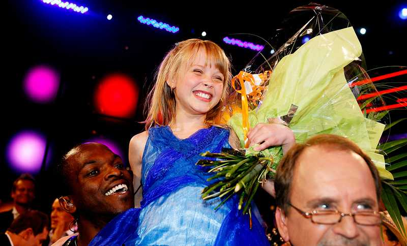 Zara Larsson Sångare, 2008.