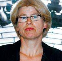 HOPPAR AV Vänsterns riksdagsledamot Karin Svensson Smith tycker att kommunismen är stendöd – och går över till miljöpartiet i stället.