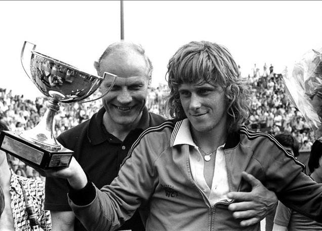 1974-1975, Björn Borg (SWE) Björn Borg vann två år i rad, 1974 och 1975. 1974 vann han över Manuel Orantes (ESP)  med siffrorna 2-6, 6-7, 6-0, 6-1, 6-1. Året därpå slog han Guillermo Vilas (ARG) med 6-2, 6-3, 6-4.