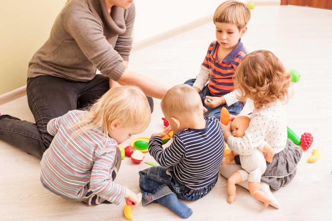 Från en dag till en annan blev förskolan Myrlejonet i Täby engelskspråkig. Barnen på bilden går på en annan förskola.