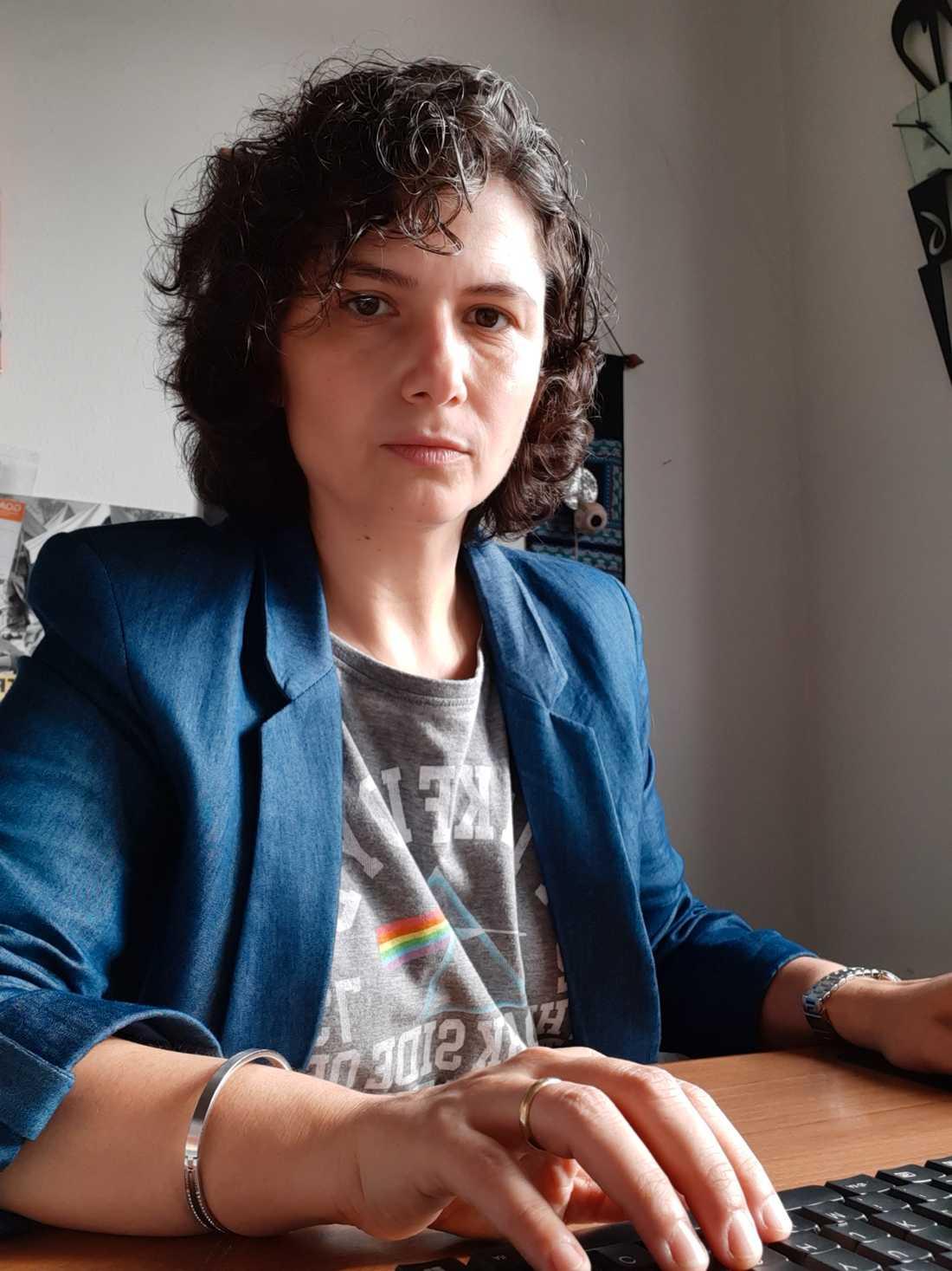 """""""Vi måste fortsätta kommunicera till människor att det här inte är över"""", säger Flavia Riccardo."""