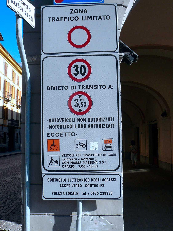 Här är skylten du ska se upp med om du bilar i Italien.