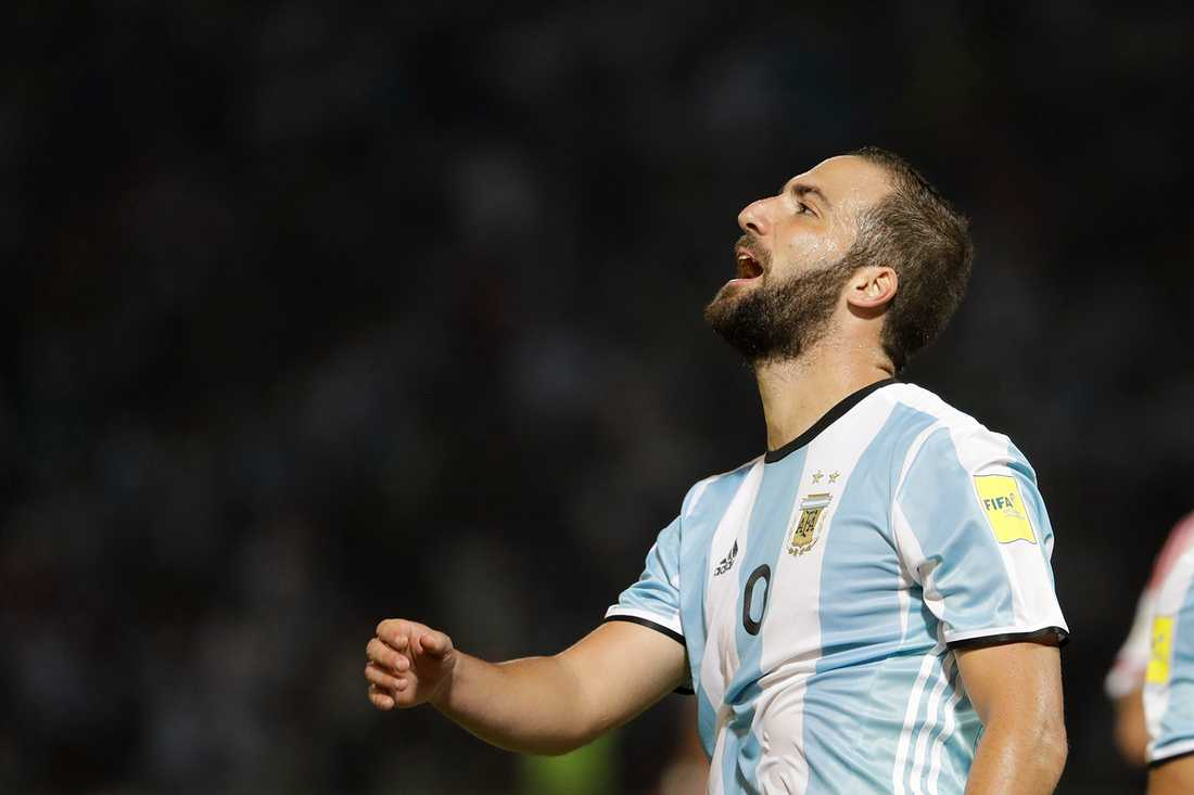 Gonzalo Higuain slutar i landslaget