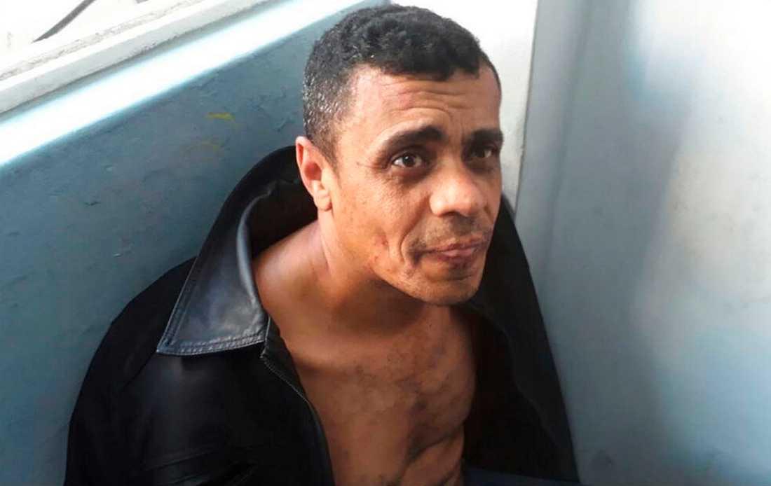 Den gripne för dådet, Adelio Bispo de Oliveira, på polisens bild.