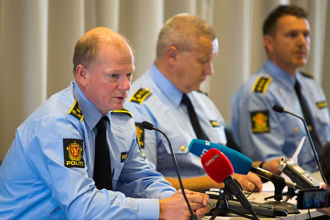 Polisen i Ålesund håller presskonferens på lördagen.