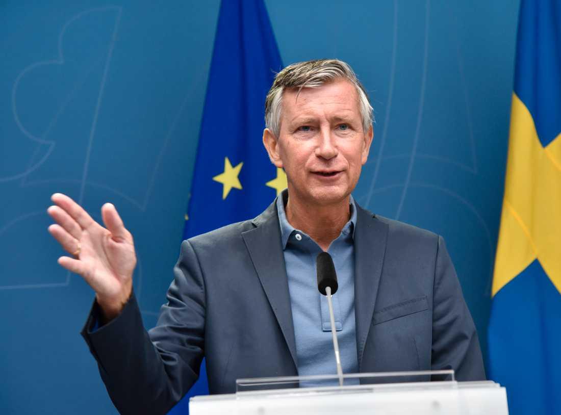 Sveriges vaccinsamordnare Richard Bergström bekräftar nu att den första omgången snart når Sverige.