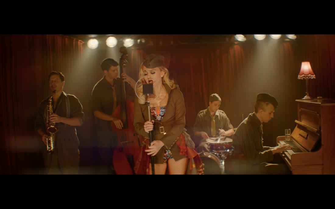 """Zara Larsson dyker upp i en roll i filmen """"Eld & lågor"""""""