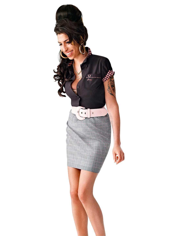 2010 gjorde Fred Perry  ett samarbete med Amy  Winehouse som blev  ansiktet utåt för en kollektion.