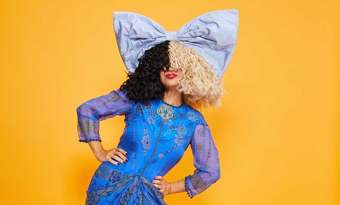 Efter en lång karriär som låtskrivare och artist debuterar Sia nu som filmregissör.