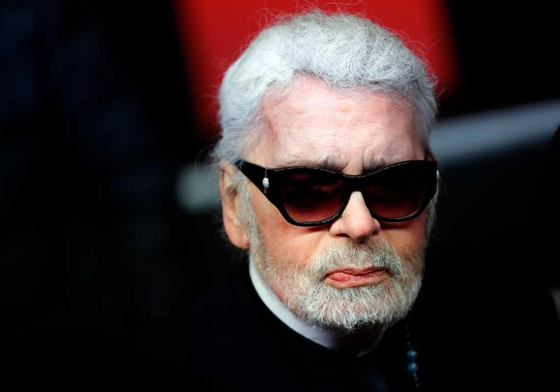 Karl Lagerfeld har bland annat arbetat som chefsdesigner för Chanel.