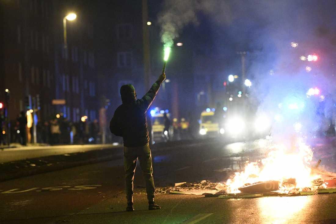 Våldsamma upplopp utbröt i Malmö på fredagskvällen efter en koranbränning.