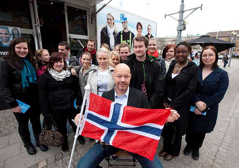 Jon Gabrielson vill att fler svenskar söker jobb i Norge.