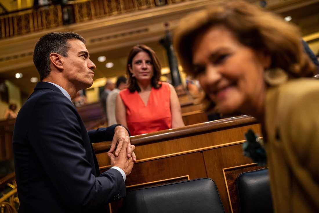 Spaniens tillfällige premiärminister Pedro Sánchez uppmanade det spanska parlamentet att stötta hans förslag för att landet inte ska hamna i ett låst politiskt läge och tvingas till nyval.
