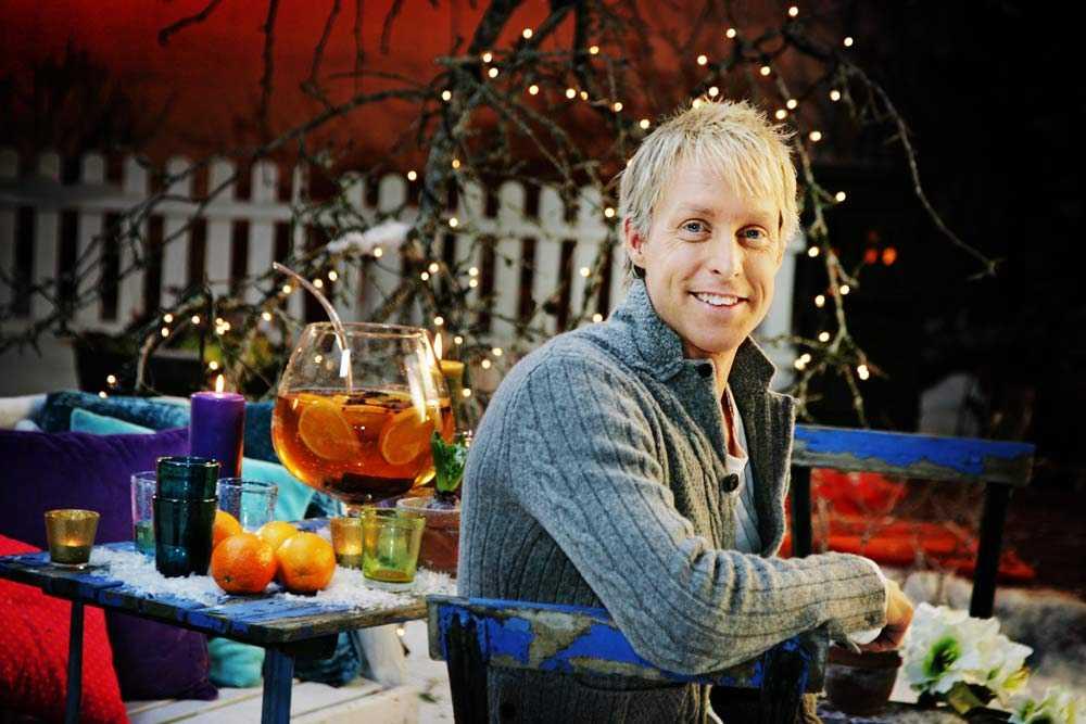 2010: André Pops tog steget från SVT-sporten till julvärd.