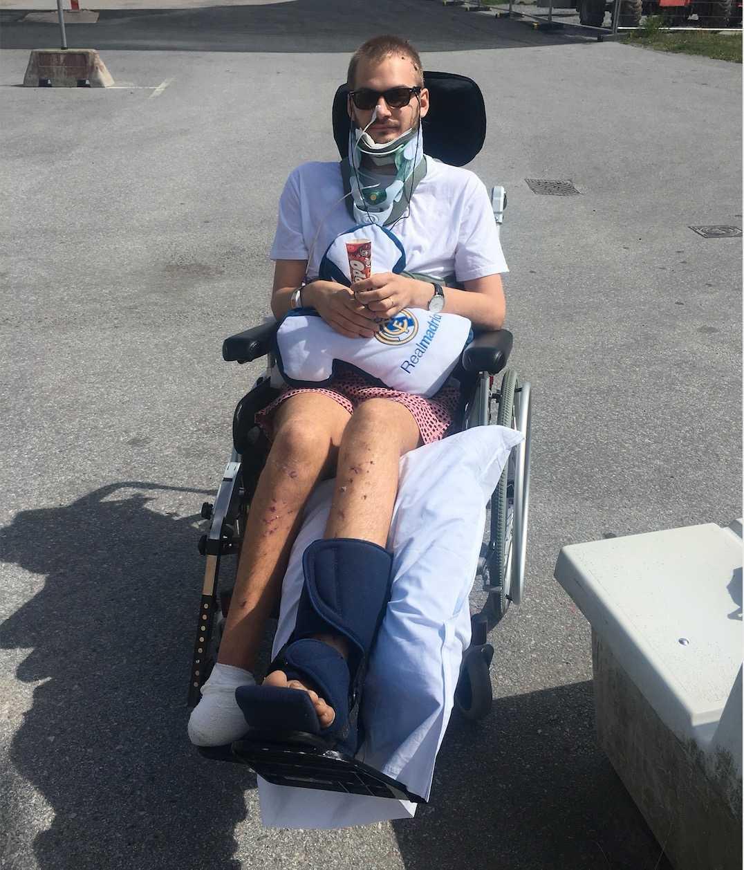 Lucas Sjölund Jurado första dagen av rehabiliteringen.