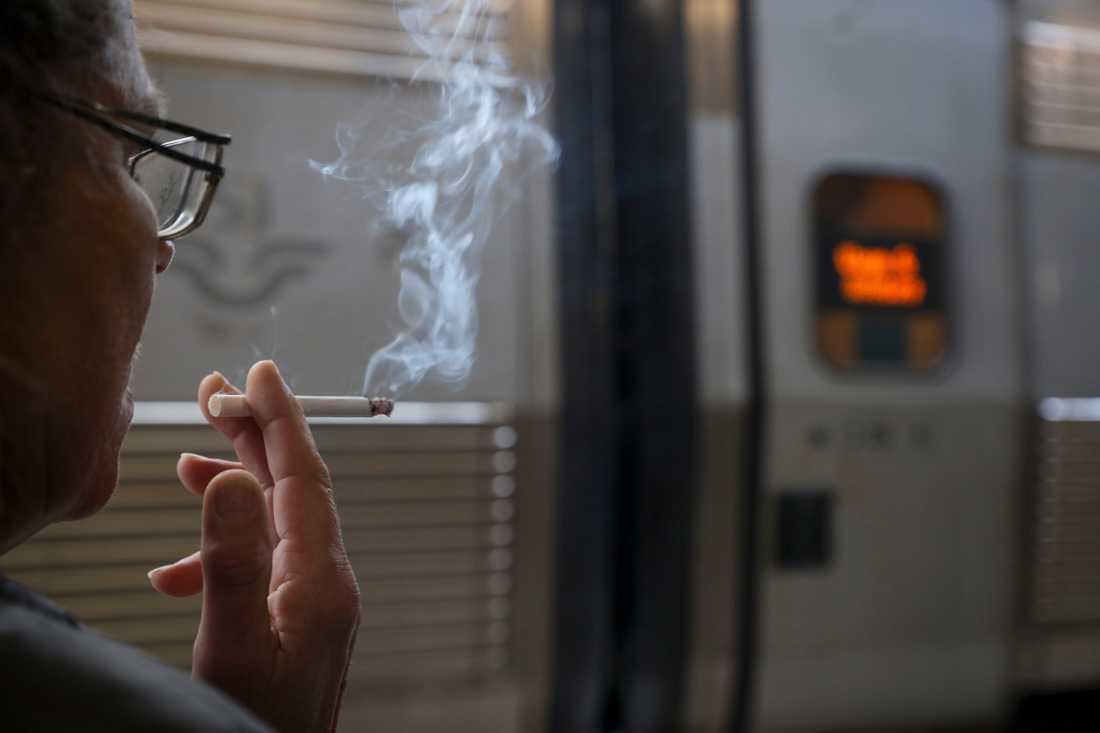 Rökare på Stockholms central.