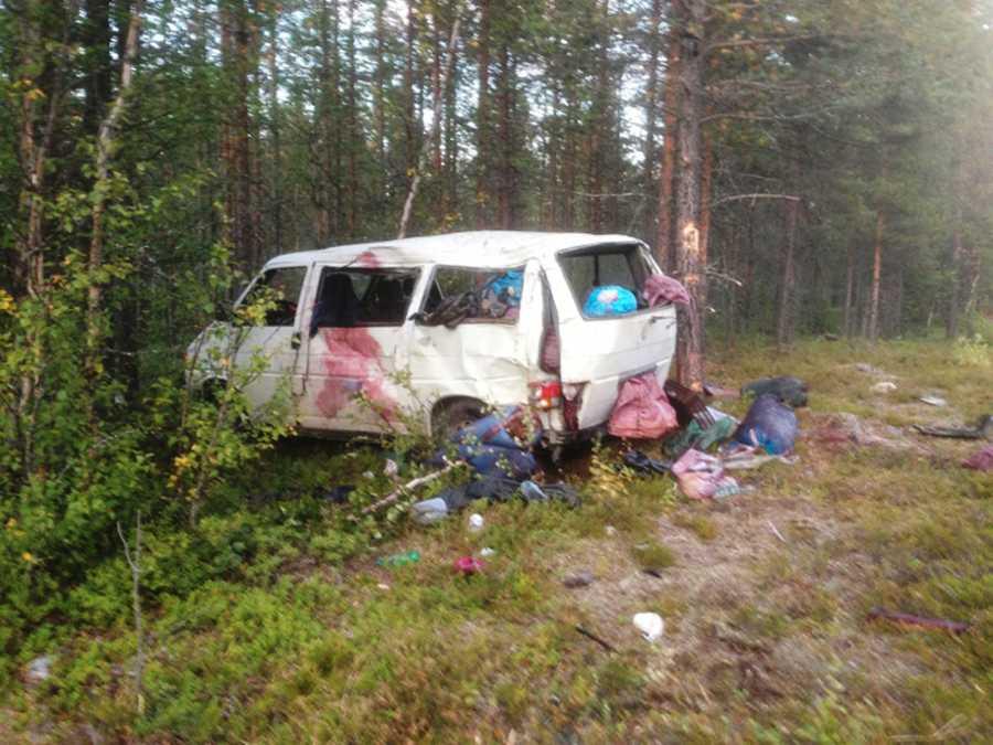 Minibussen körde av vägen på E12 vid Storuman.