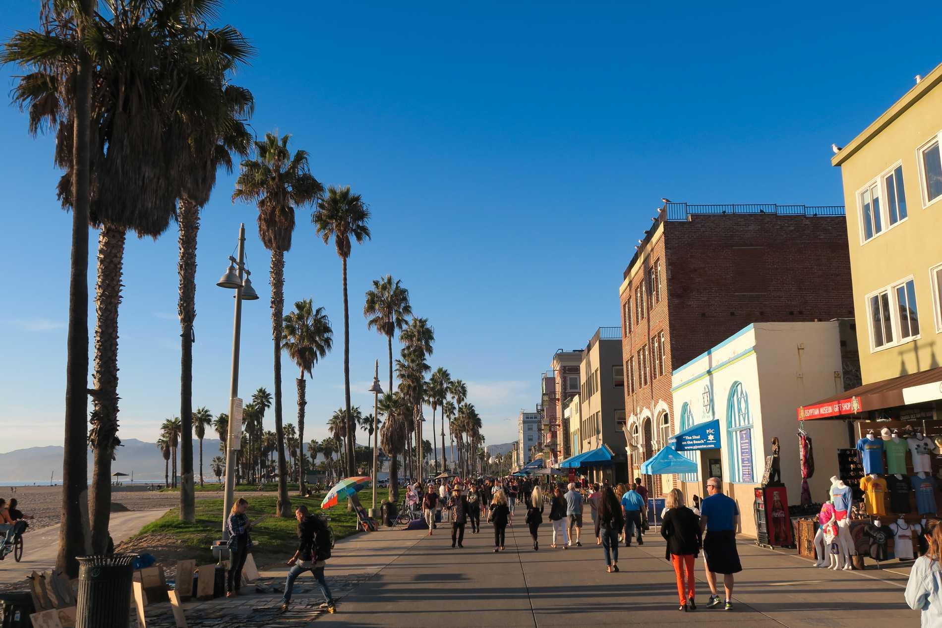 Resorna till Los Angeles har minskat med 37 procent i sommar.